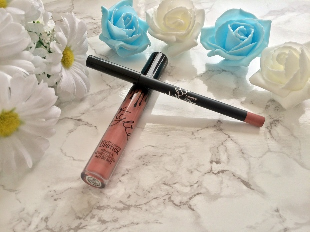 CandyK Lipstick & Liner Flatlay Closeup www.wingitwithjade.com